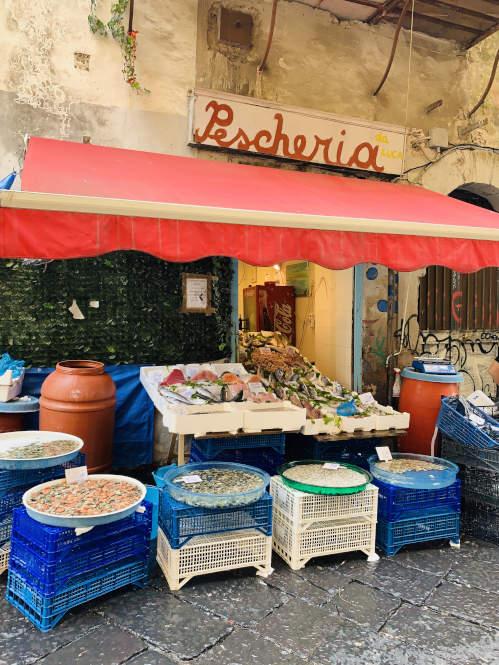 Angebot Fischstand in Neapel