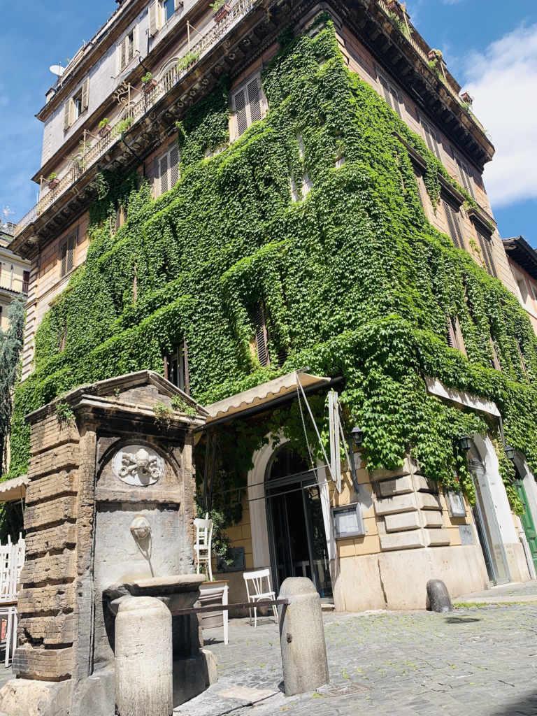 Bewachsenes Haus Rom