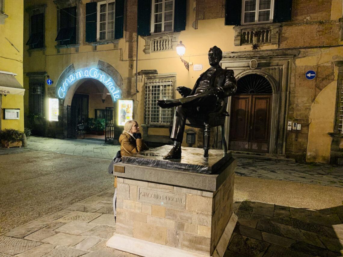 Statue von Giacomo Puccini