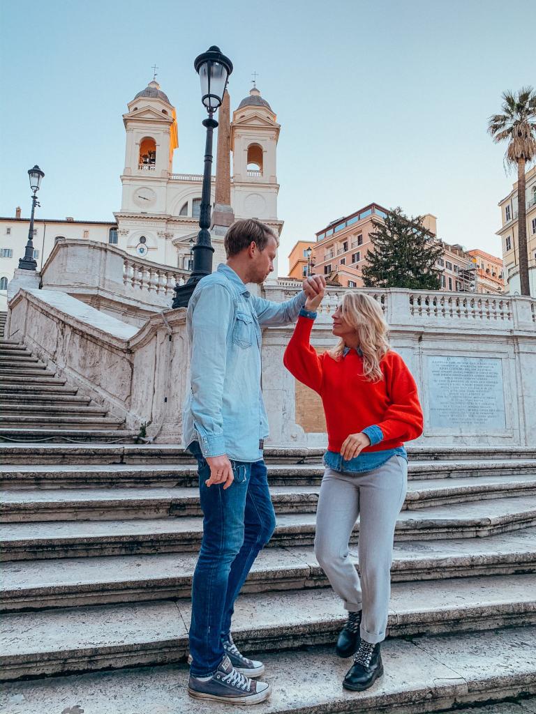 Tanz auf der spanischen Treppe in Rom