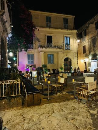Tropea Stadt am Abend