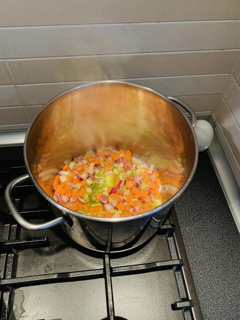 Zubereitung Pasta Sauce Ragu